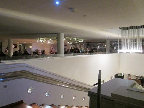 Das Restaurant auf dem Dach, mit direktem Zugang aus der Bibliothek.